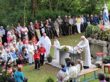 Mass on 24 June . Photo by Eric Shaw