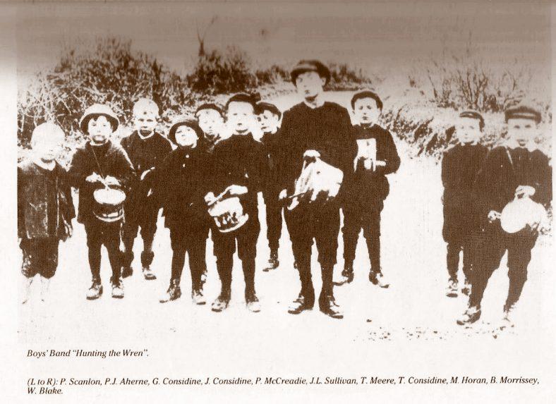 Wrenboys, Clarecastle,1913   CBHW Archive