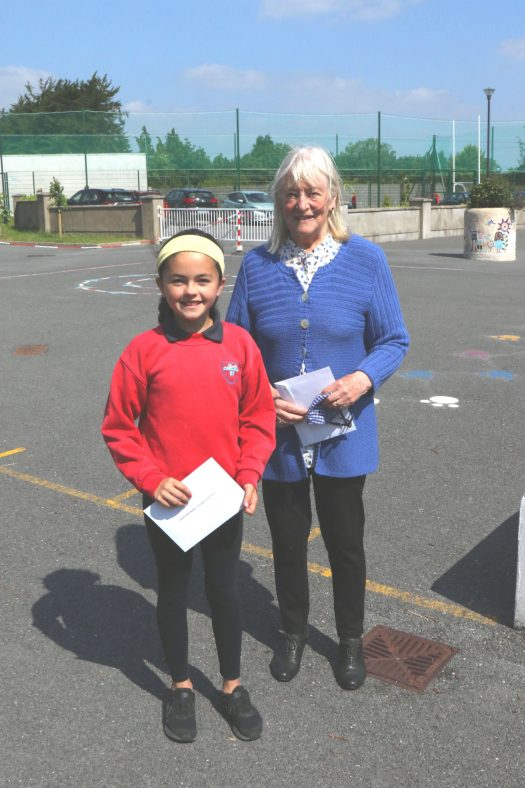 Clarecastle 4th Class 1st Winner with judge Hilary Gilmore. 2nd Winner missing from photo. | John Power